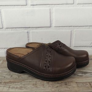 KLOGS 8 brown leather cut out mules